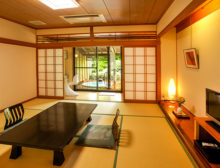 本館庭園露天風呂付和室