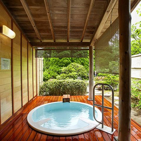 本館庭園露天風呂